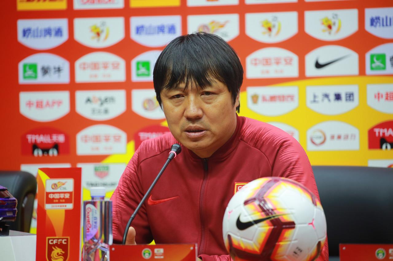 谢峰:赛前最担心罚点球问题 播放视频激励大家不放弃