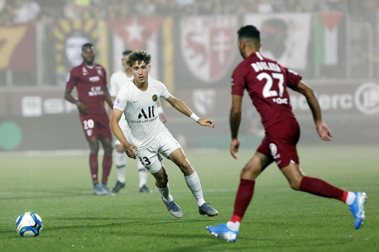 法媒:巴萨关注巴黎17岁小将奥奇切,将在U17世界杯上考察他