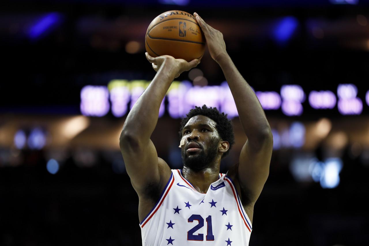 NBA官方评选今日最佳数据:恩比德36+13+5+3当选