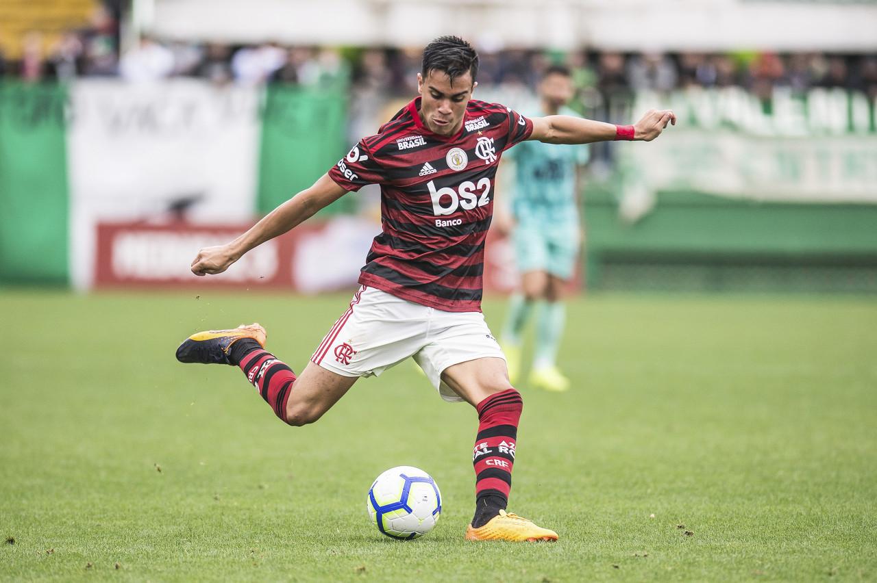 巴西U23主帅:对雷尼尔来说重要的是继续脚踏实地