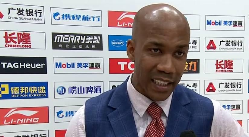 马布里:这场比赛非常艰难 球员们自己找到了赢球的办法