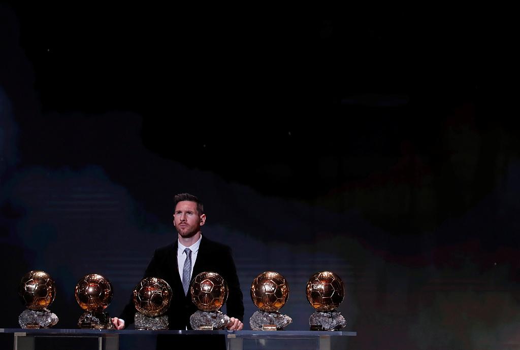 世体:梅西未来不想在巴萨做替补,退役前想拿欧冠+国家队荣誉