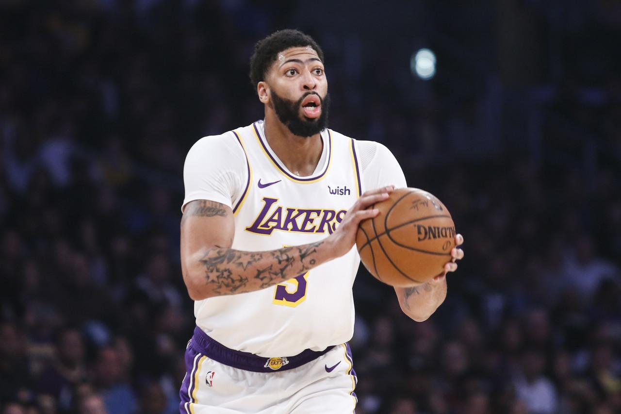 NBA经纪人:由于詹姆斯的年龄 浓眉签1+1合同不无可能