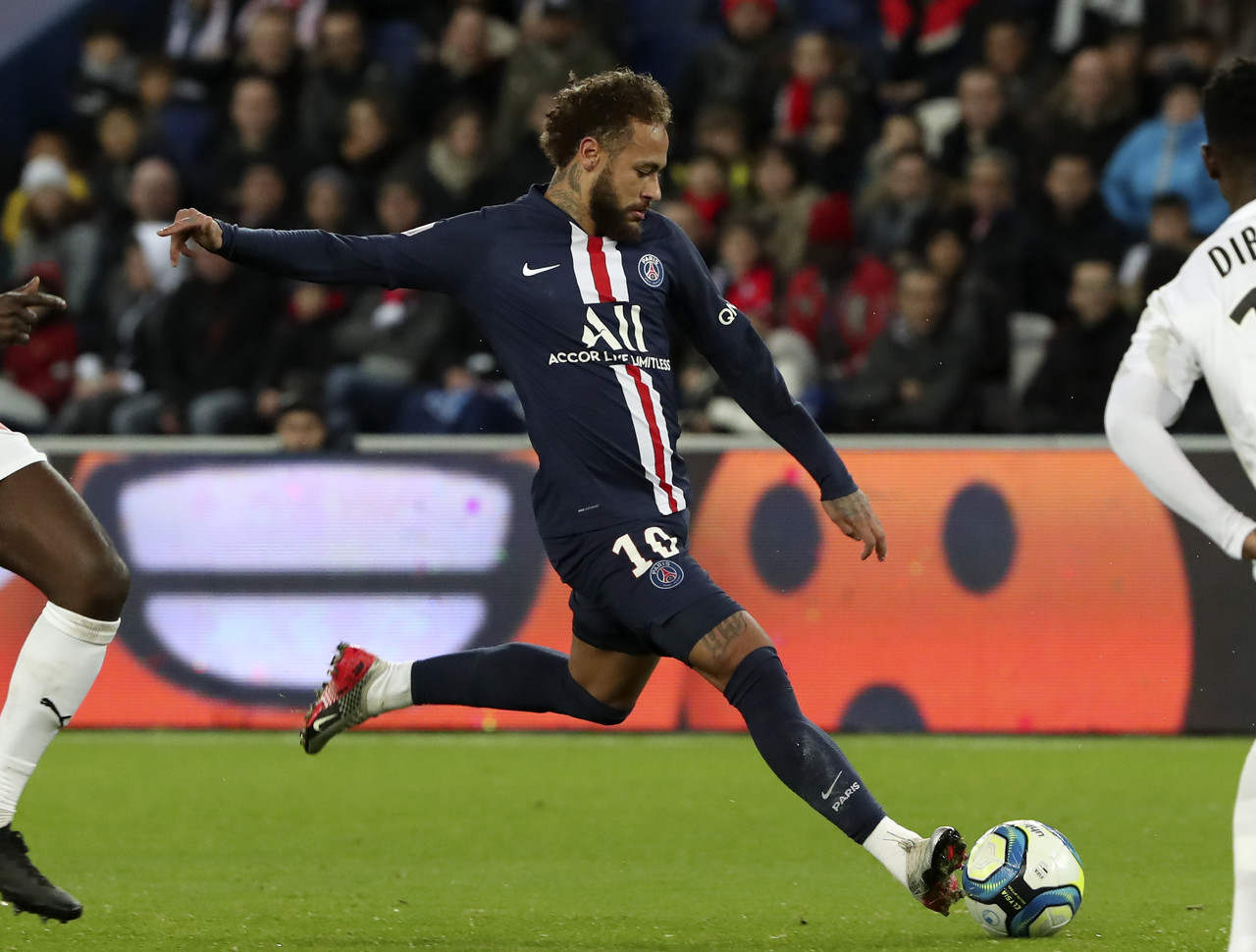 ESPN:内马尔有意续约巴黎,但要看球队欧冠成绩