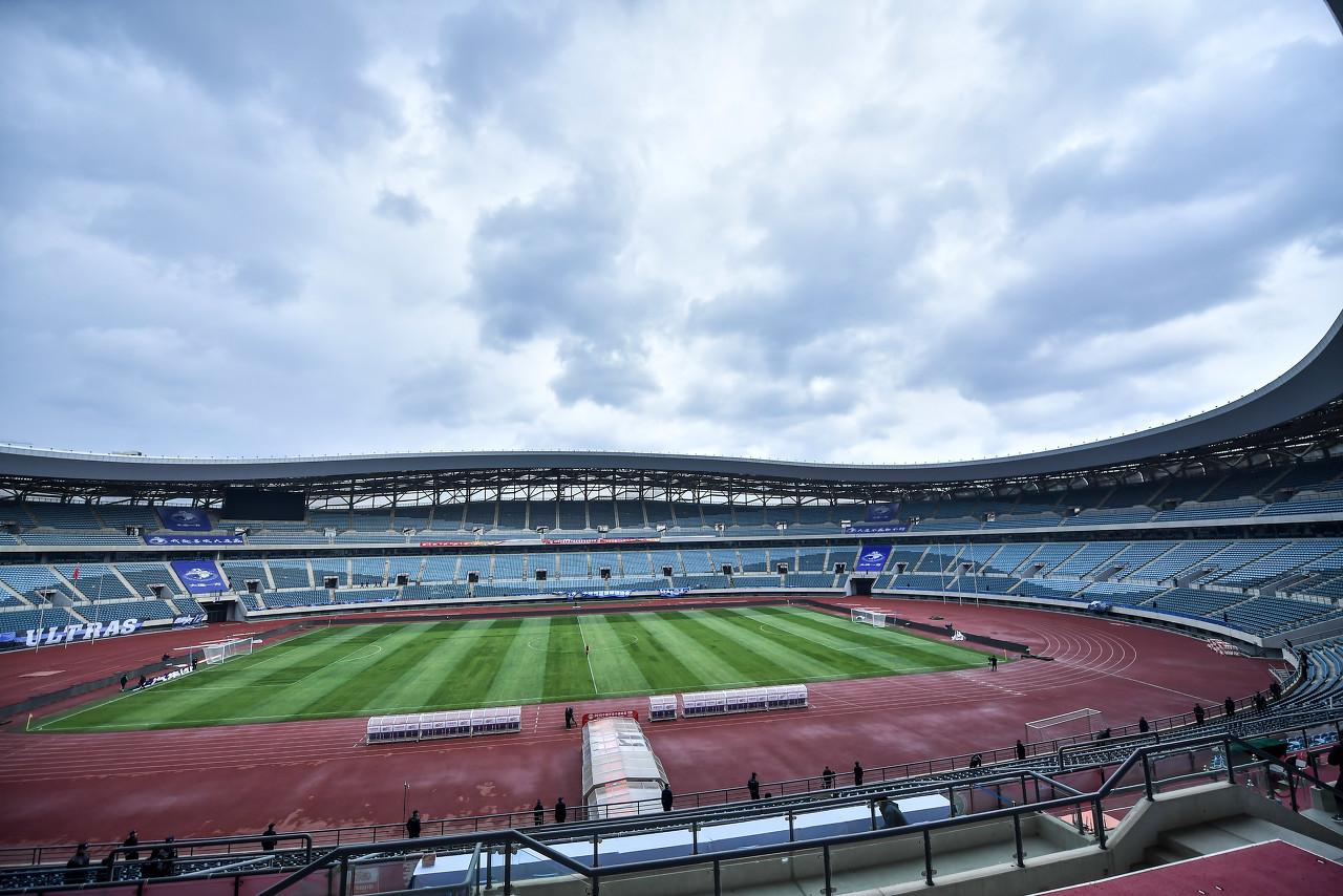 大连体育场将改造为专业球场,增加2.7万活动座位