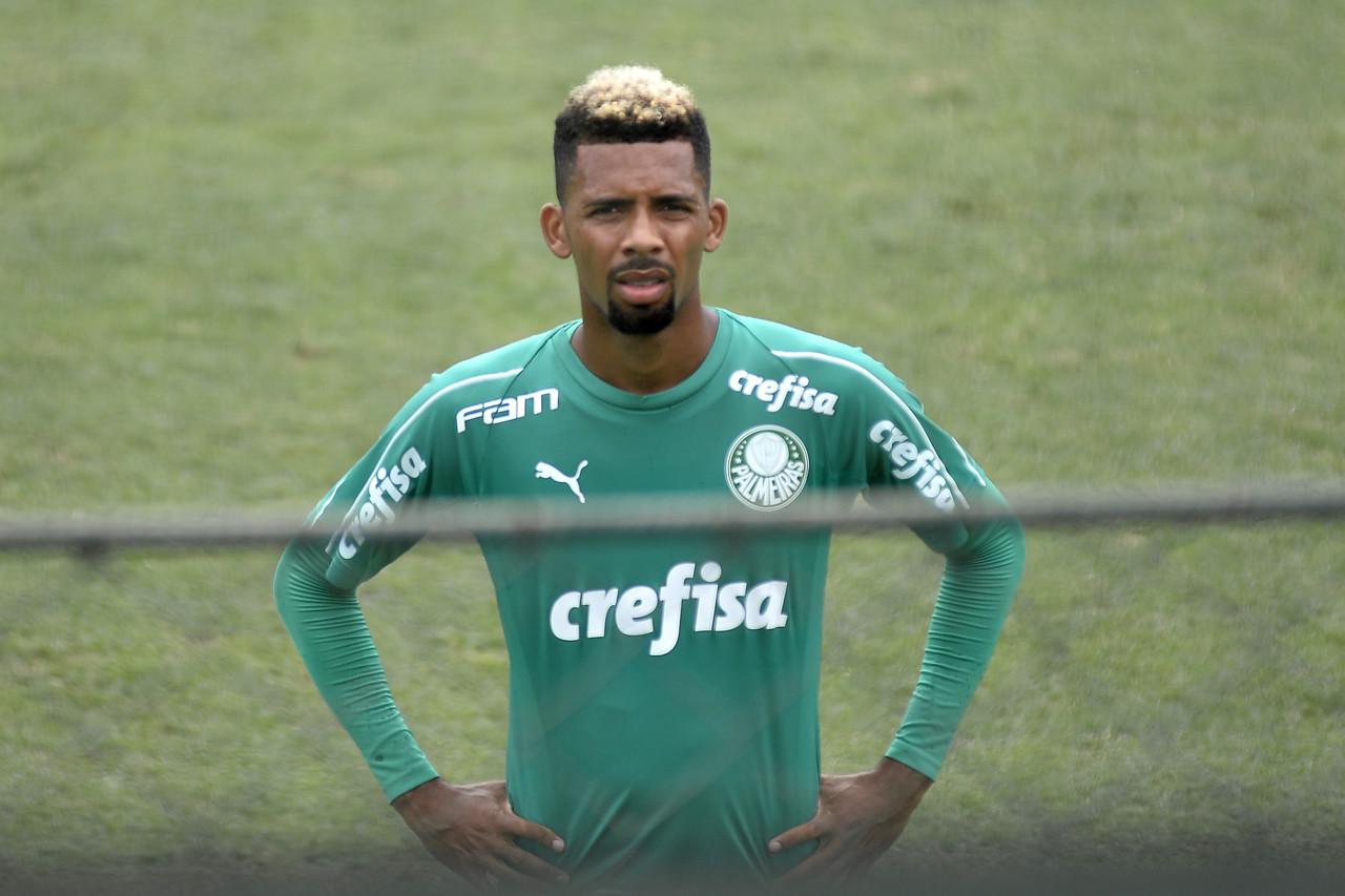 巴媒:巴萨接近签下帕尔梅拉斯中场M-费尔南德斯,总价1100万欧