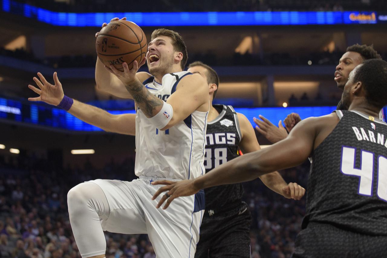 NBA官方评选今日最佳数据:东契奇25分+15篮板+17助攻当选