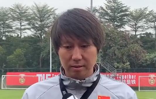 李铁:希望通过一天三练提高国足队员克服困难的能力