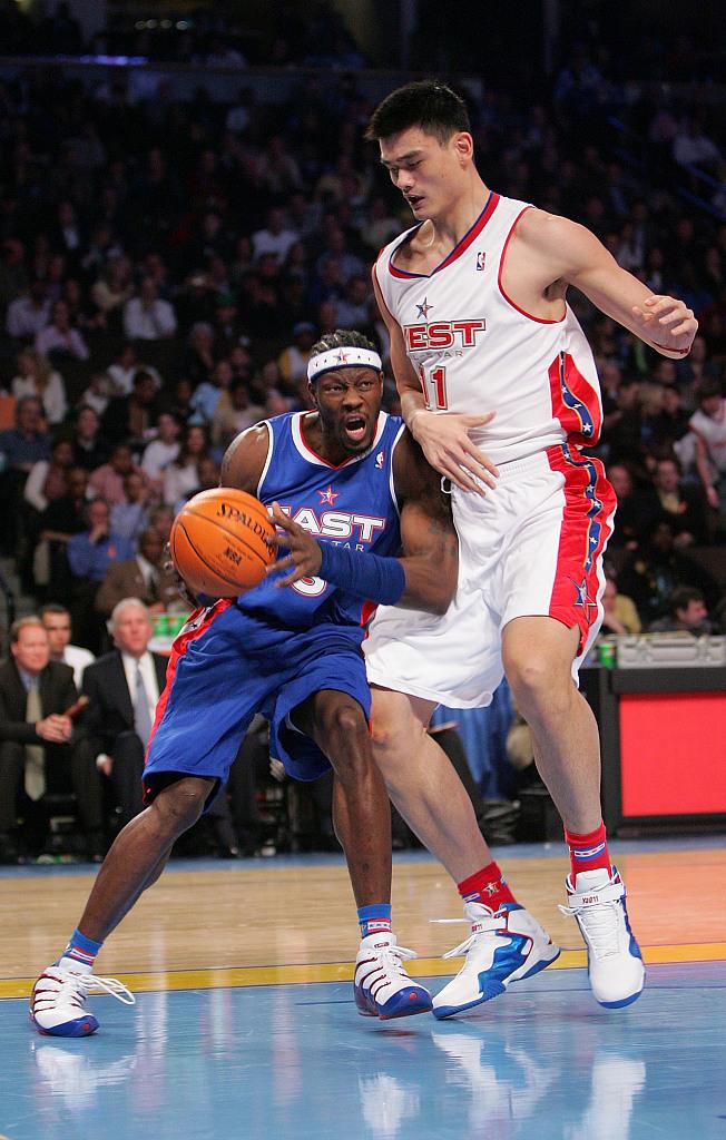 美媒发问:姚明在当今NBA能有多棒?美网友:他是完美的大个子图片