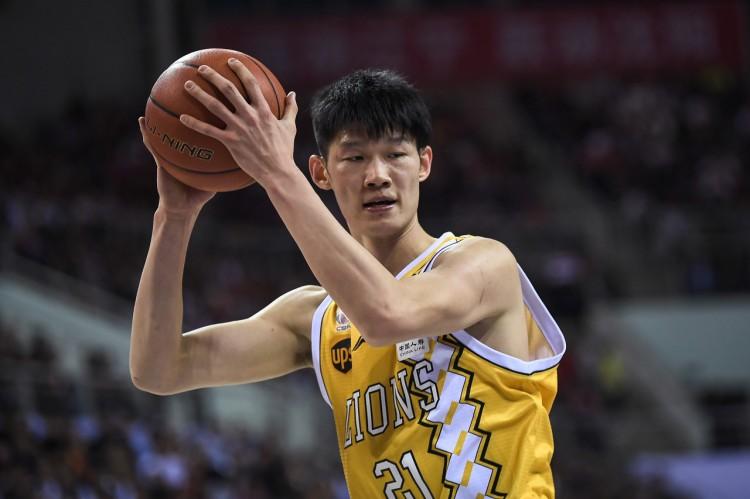 里程碑!胡金秋CBA生涯篮板数超越姚明图片