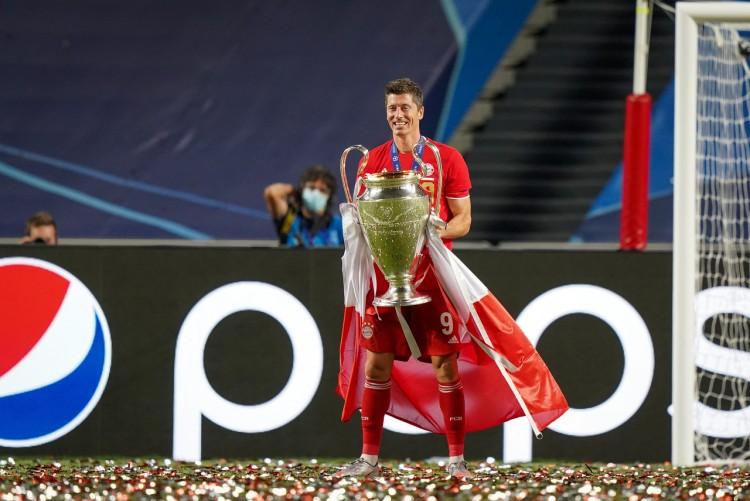 莱万是欧冠改制以来,首位成为欧冠最佳射手的拜仁球员
