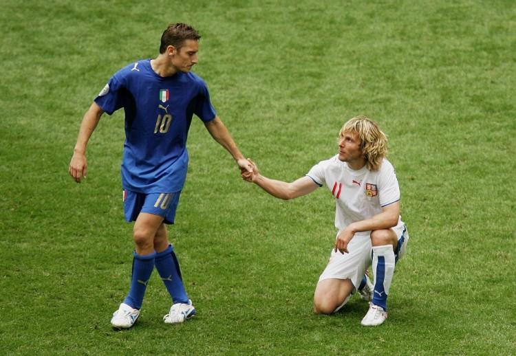 2006年世界杯,意大利2-0捷克,报了10年前负于对手的一箭之仇