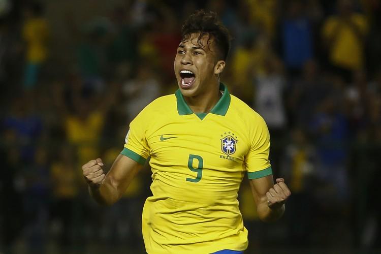 【蜗牛电竞】记者:米兰正努力尽快签下桑托斯19岁巴西前锋凯奥-若热