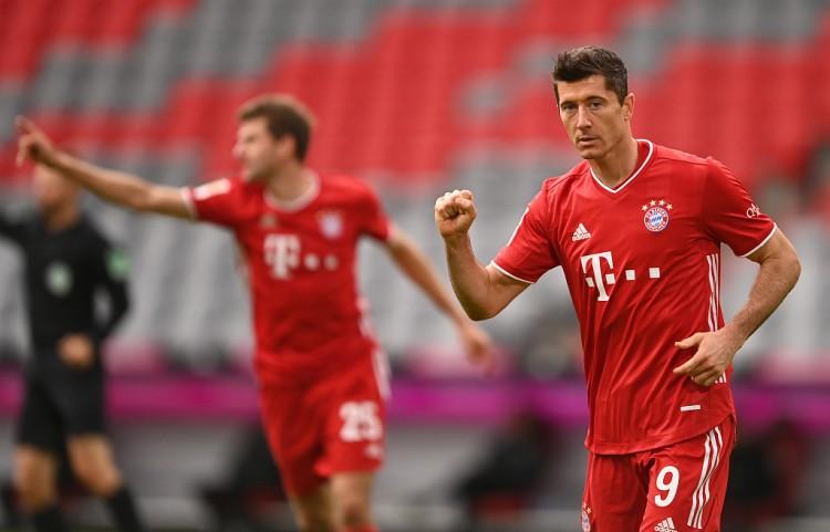 虽迟但到!拜仁是欧冠队史首支最后15分钟打进4球的球队
