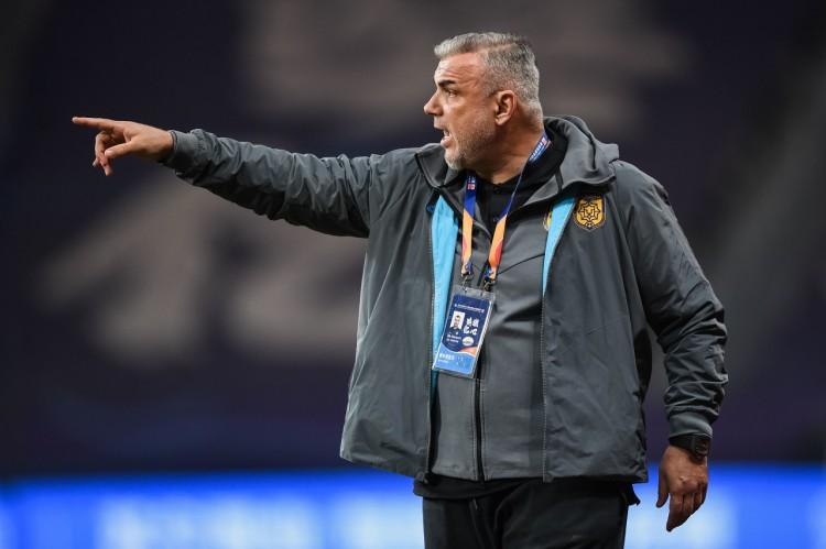 奥拉罗尤、卢塞斯库当选罗马尼亚最佳主帅:希望未来亚冠决赛相遇图片