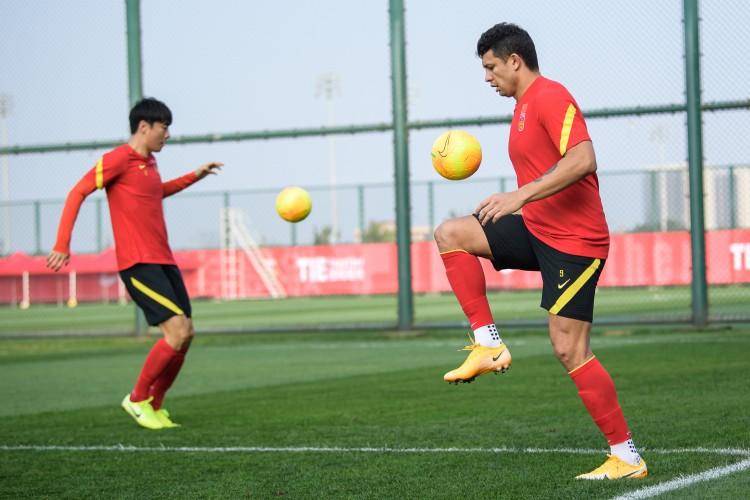 沪媒:国足在海口订下3片训练场,其中两个用于训练一个用于比赛图片