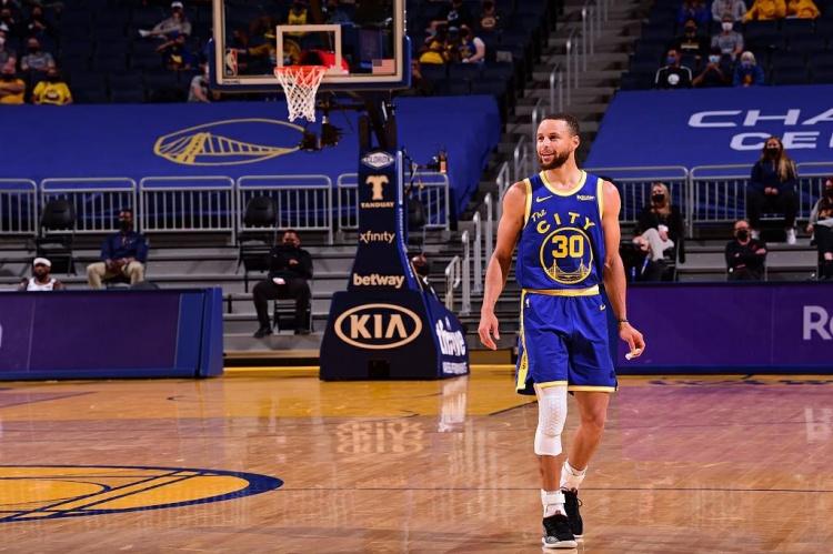 【蜗牛电竞】勇士官推:2021ESPY最佳NBA球员?舍库里其谁😎