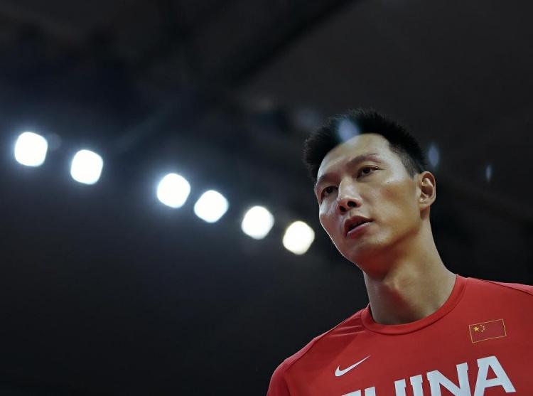 【蜗牛电竞】🎥阿联:运动员最希望的就是为国出战 我要为中国男篮再拼一次