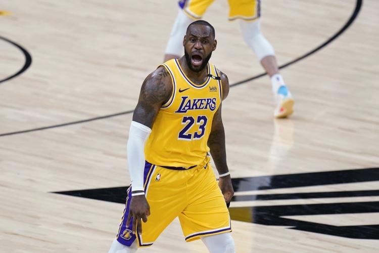 【蜗牛电竞】NBA最畅销球衣排名:詹姆斯和湖人包揽球员和球队销量第一