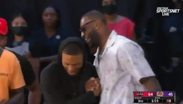 【蜗牛电竞】🎥轮流招募?利拉德看WNBA 先后与詹姆斯&韦德打招呼