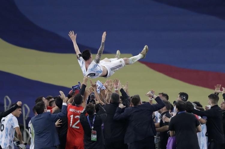 【蜗牛电竞】恩比德发推:为梅西夺冠感到高兴 他值得冠军 加油马德里!