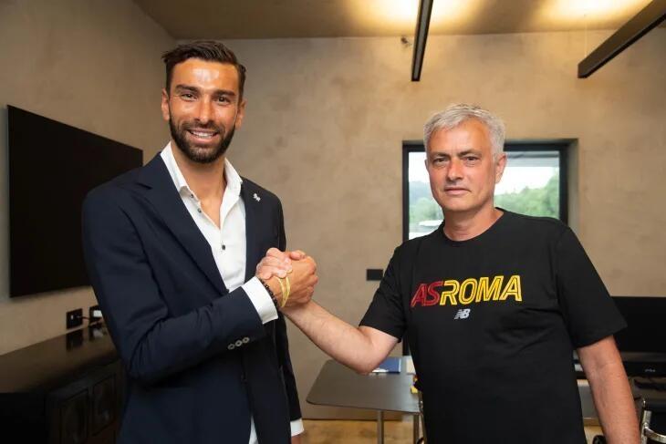 【蜗牛电竞】官方:罗马与帕特里西奥签约至2024年,转会费1150万欧+浮动