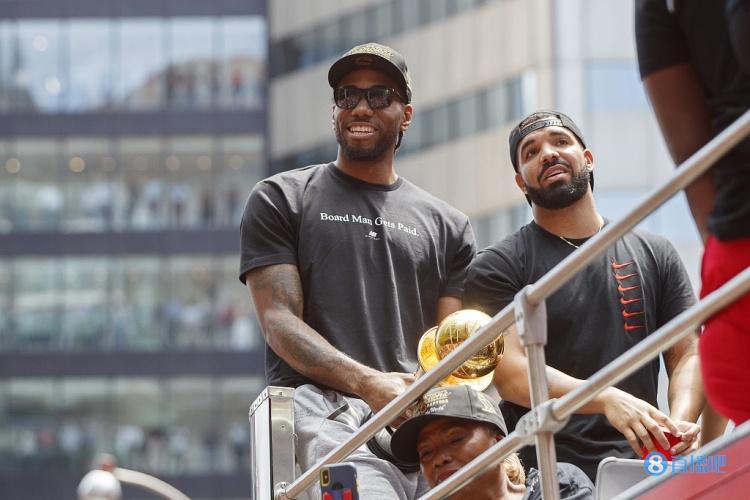 Drake:小卡每次见到我都会说他有多想念猛龙的球迷