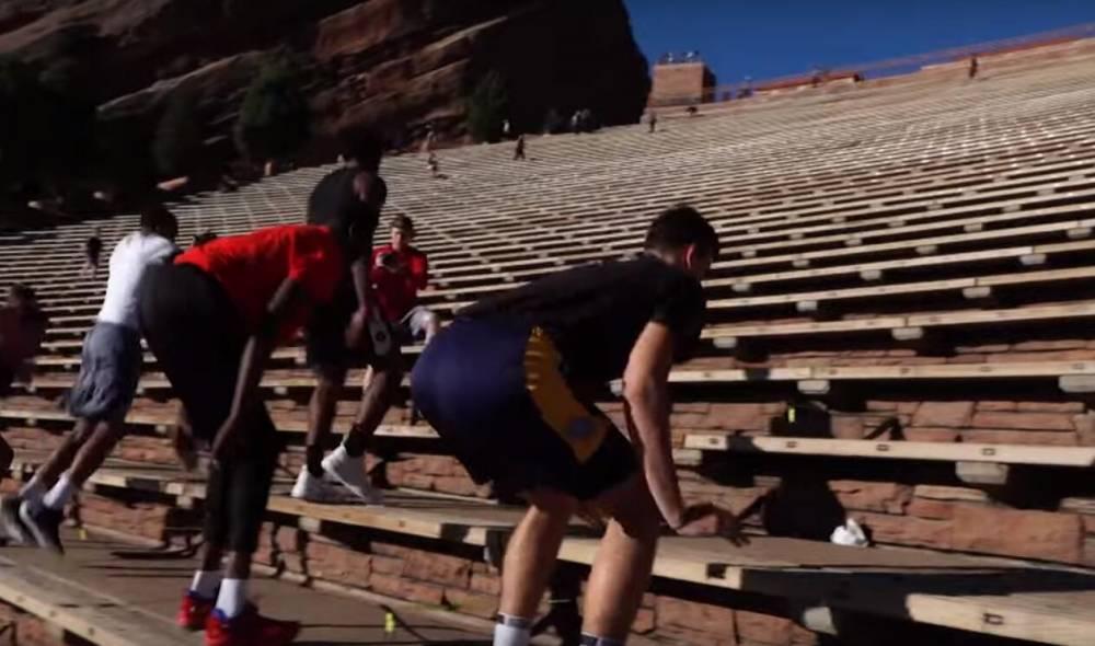 掘金队在红石剧场进行爬阶梯训练 新秀波尔:真难