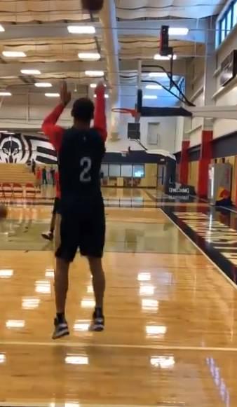 鲍尔:夏天一直在苦练投篮 每天的手感都在变好