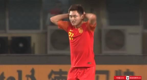 半场-黄紫昌李扬先后失单刀 国奥0-0塔吉克斯坦