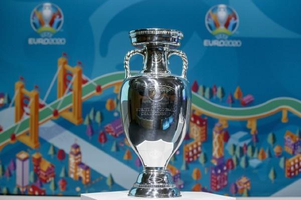 """迟到了一年的欧洲杯:扩军后如同""""注了水"""",新规带来人性化"""