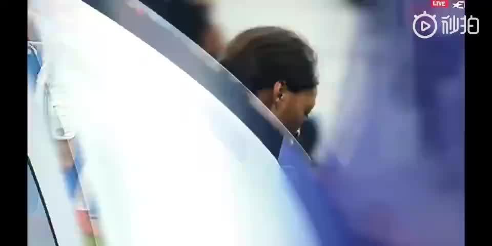 拽头发+飞铲!视频回顾巴黎女足vs里昂女足火爆瞬间