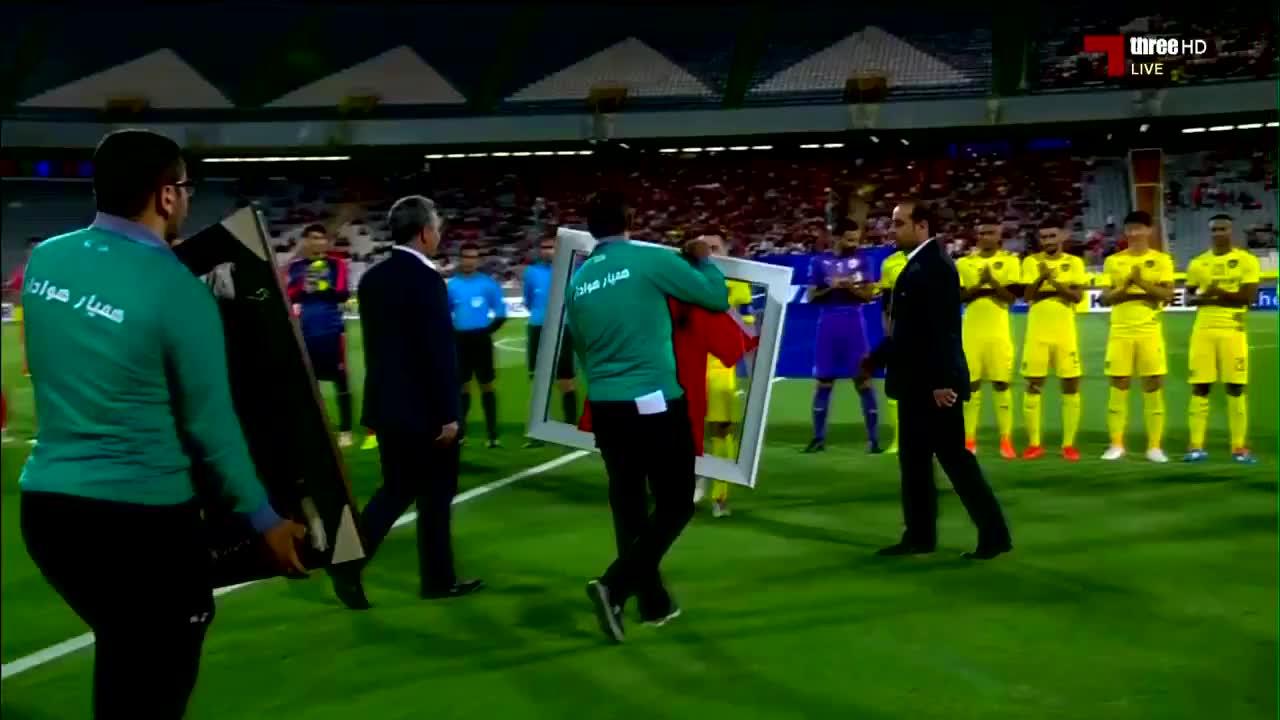 难说再见!巴萨传奇哈维完成职业生涯最后一场比赛
