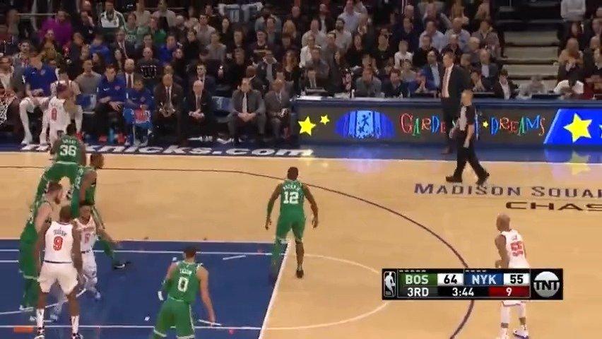 毕竟篮球天赋摆在那儿!比斯利精彩单打视频