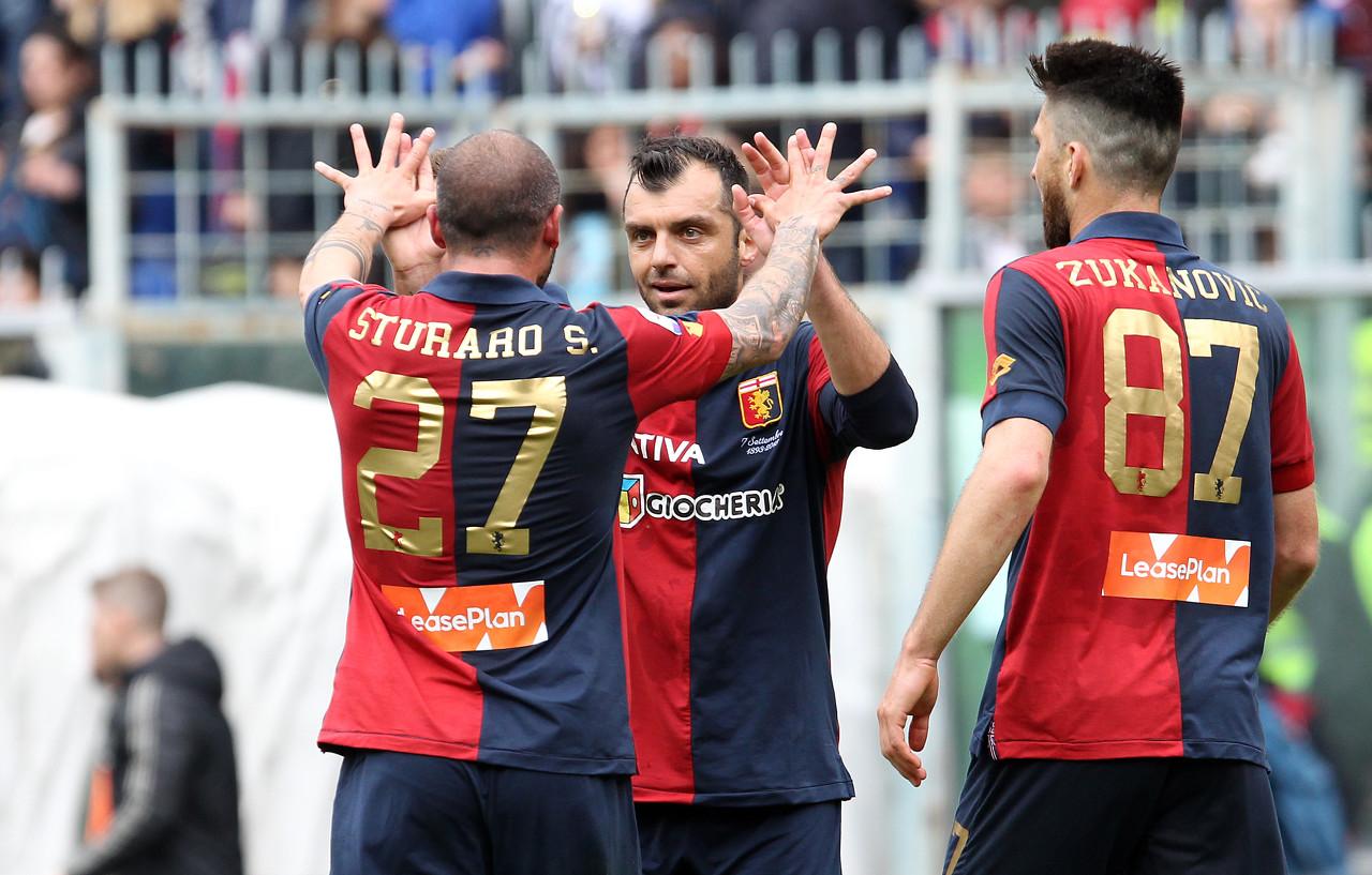 在本赛季代表热那亚出战的16场意甲中,打进3粒进球  