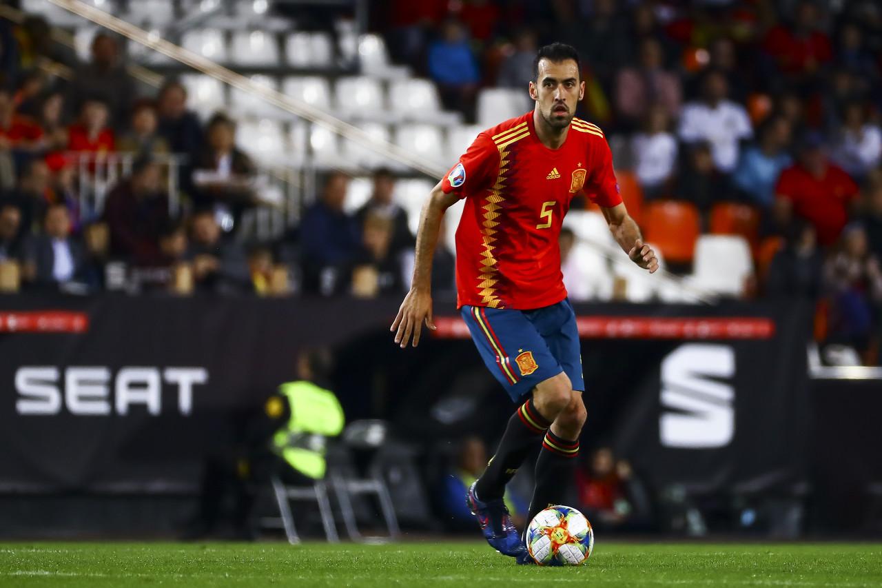 每体:布斯克茨或许左膝受伤,会留在西班牙队接受详细查看