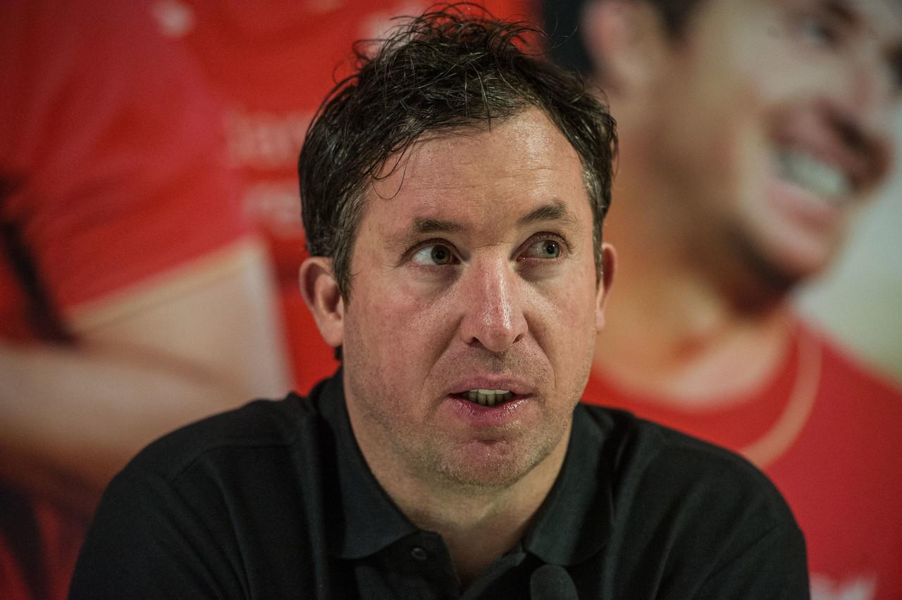 福勒:利物浦应为罗伯逊寻找一名替补 范迪克还需一个更好的搭档