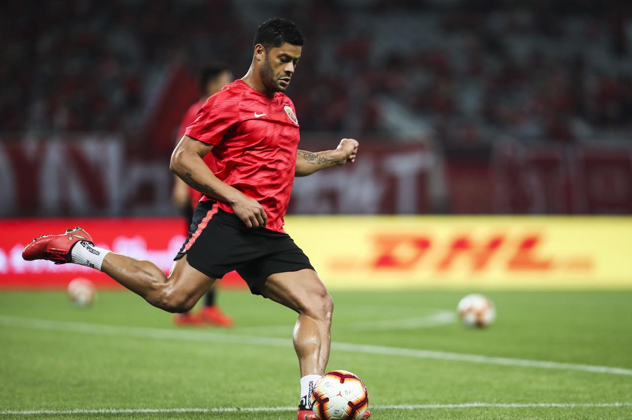 胡尔克:我收到了来自我国和巴西的报价,但我更想参与欧冠竞赛 