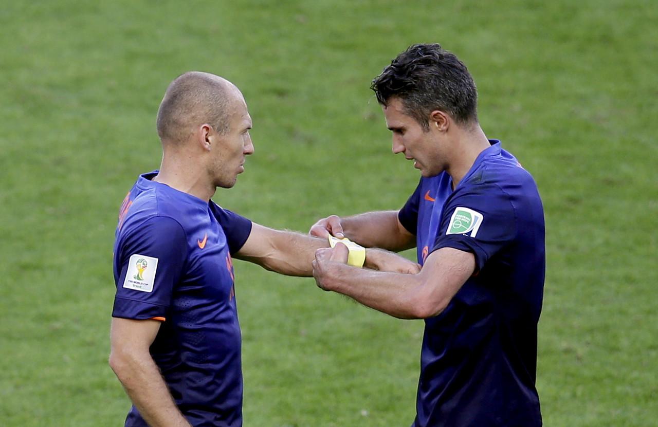 荷兰代理主帅:球员能否进国家队取决于自己,罗本亦如此