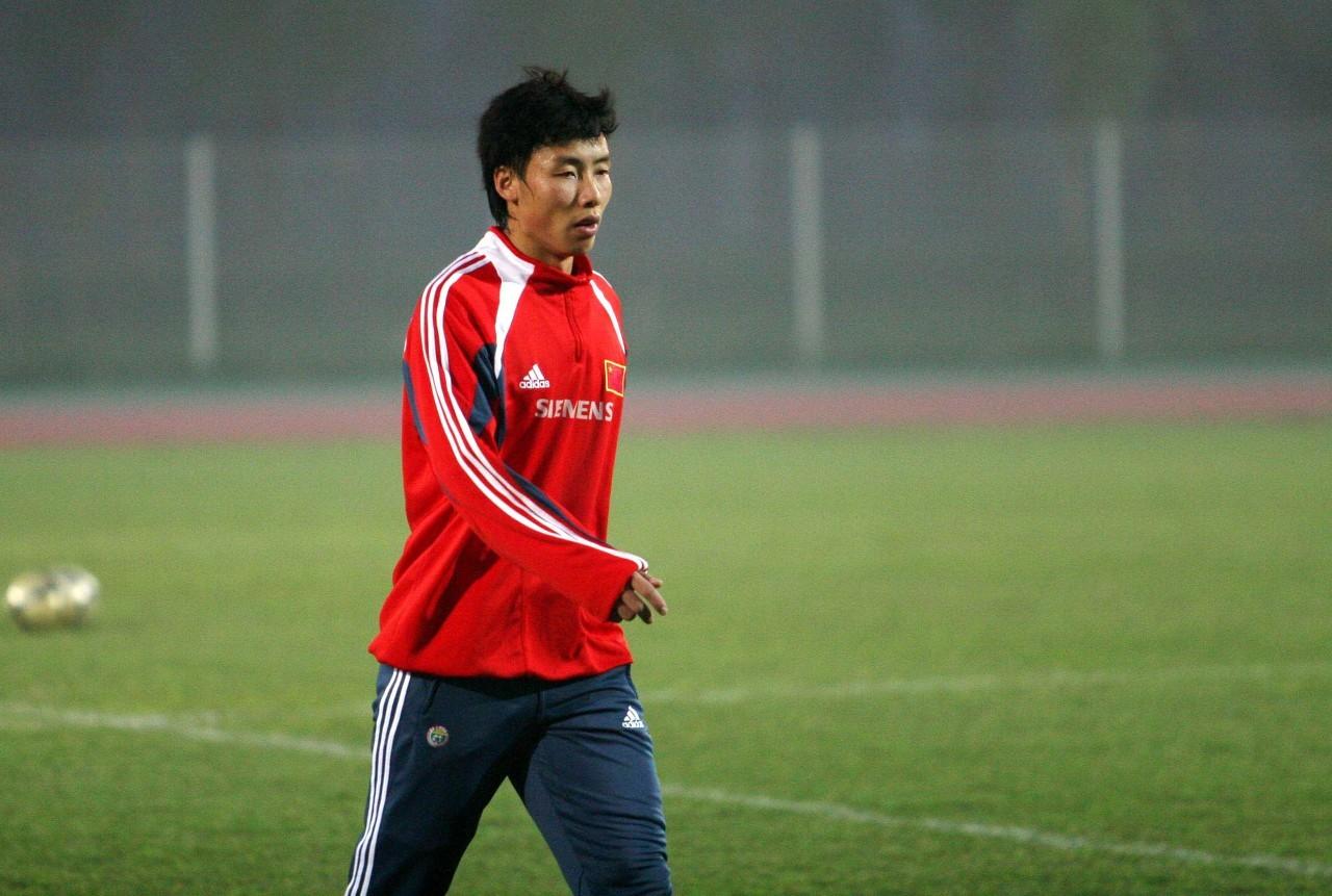 陈涛出任佳兆业沙龙精英队主教练,该队由沙龙直接办理