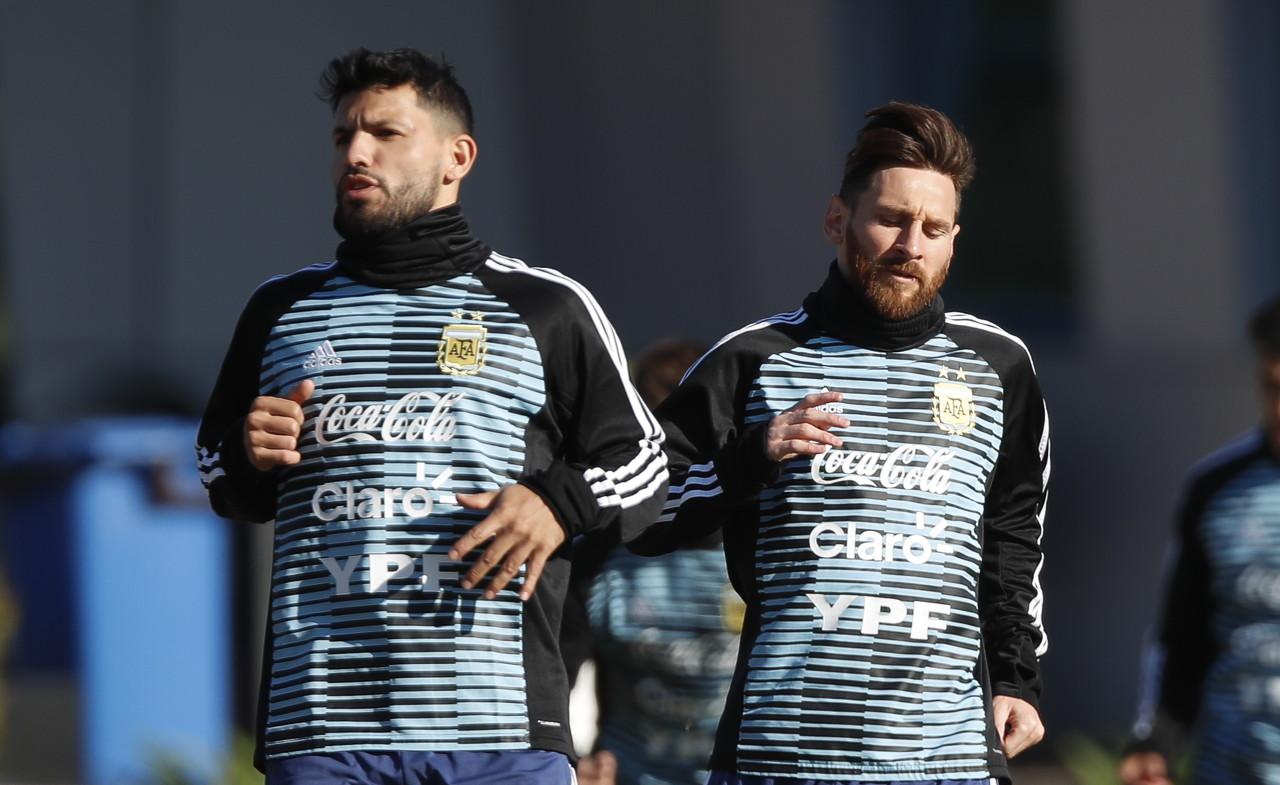 阿斯:波切蒂诺签下梅西和阿圭罗的想法,将促进大巴黎出售姆巴佩