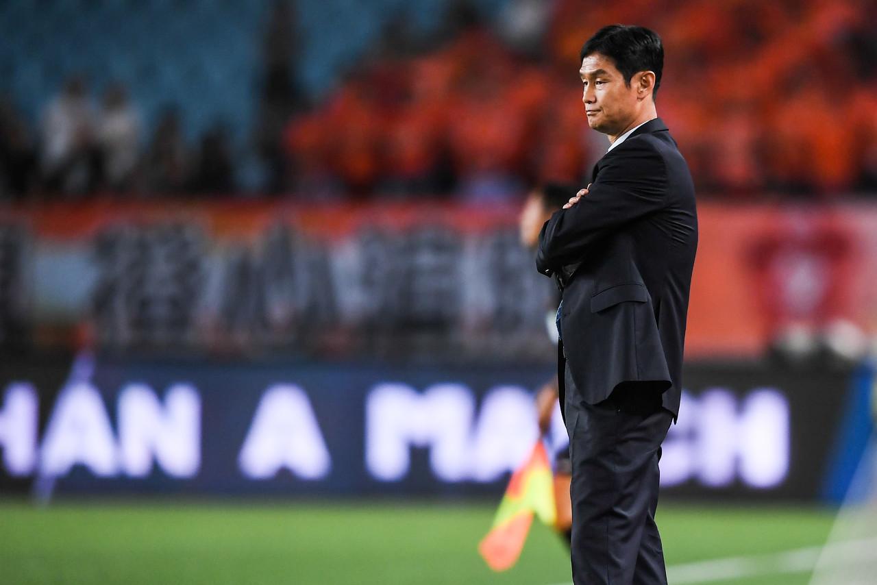 官方:带队成绩不佳,崔龙洙辞去首尔FC帅位