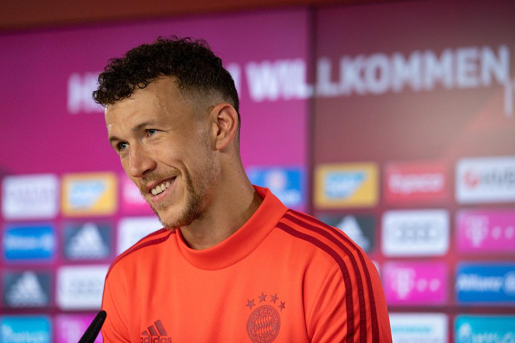 记者:半决赛前最终一次训练,佩里西奇进入拜仁首发