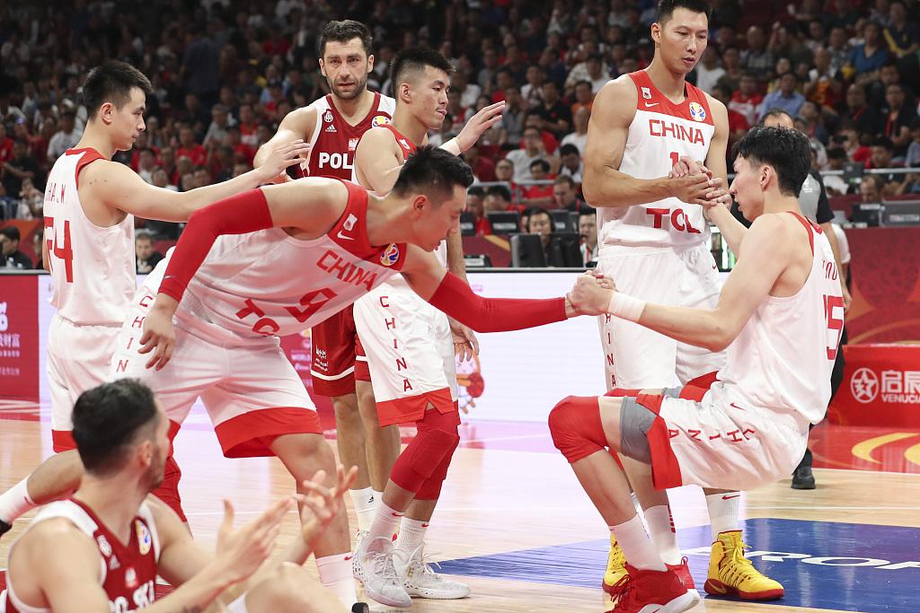 历史性胜利!波兰球迷要求播放去年波兰队与中国男篮的比赛