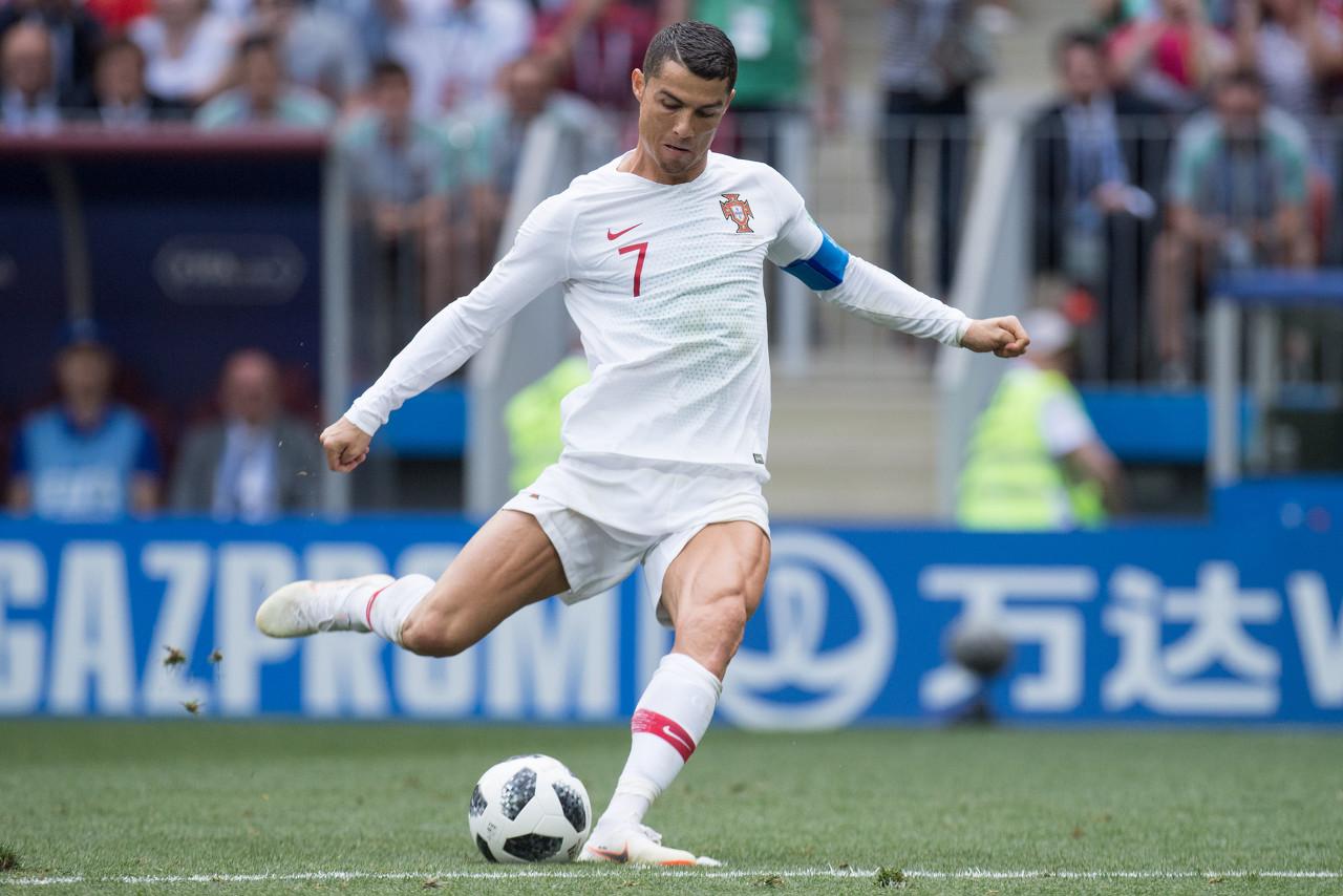 遭受克星,C罗6次代表葡萄牙面对法国没有获得进球