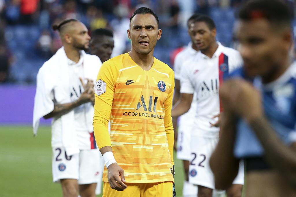 队报:莱昂纳多不满此前巴黎球员开派对,纳瓦斯出头缓和紧张关系