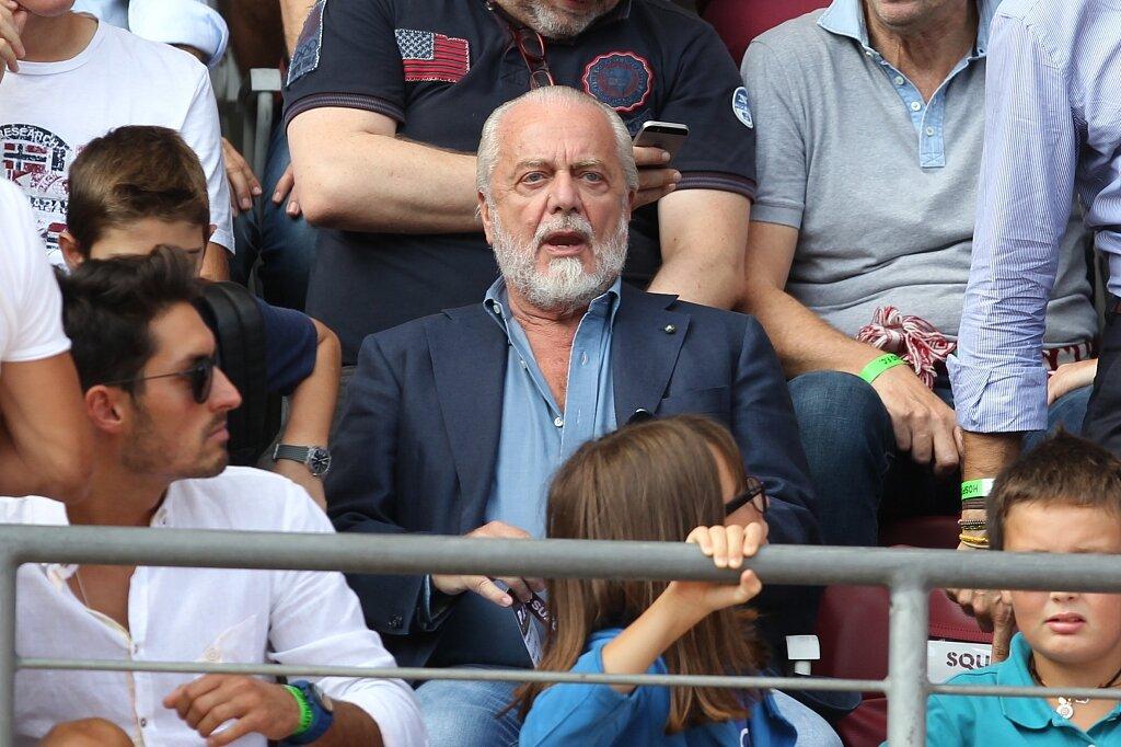 意媒:输给维罗纳赛后德佬联系了萨里,但对方拒绝执教那不勒斯