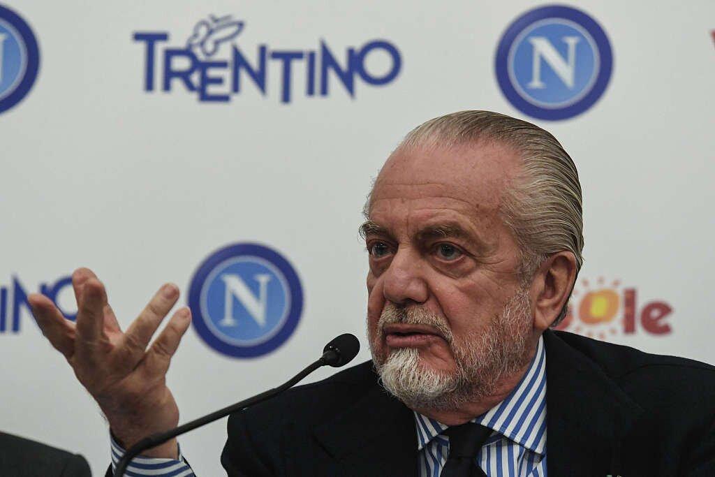 米体:因此前投入过多,那不勒斯将出售球员收回1.5亿资金