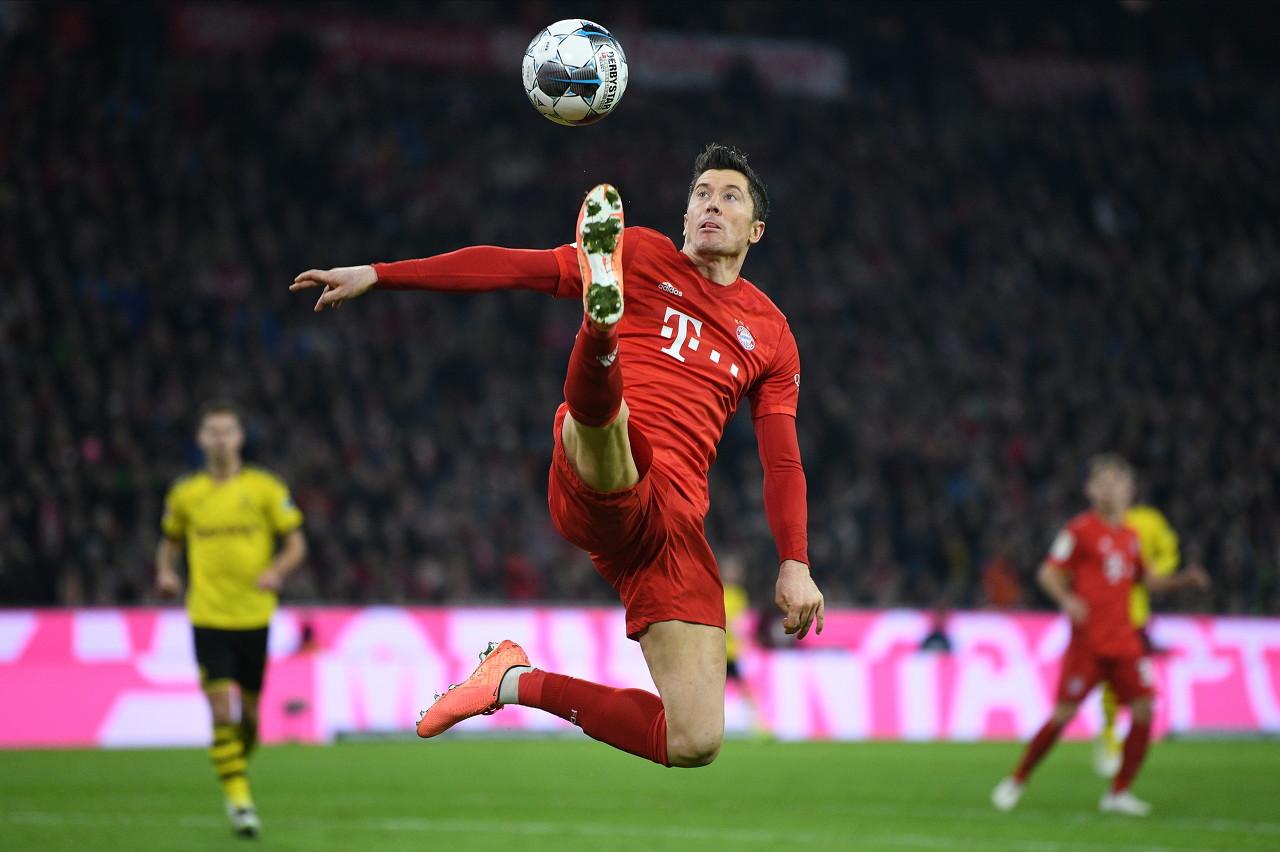 前史首位!莱万单赛季欧冠、国内联赛以及杯赛均取得金靴