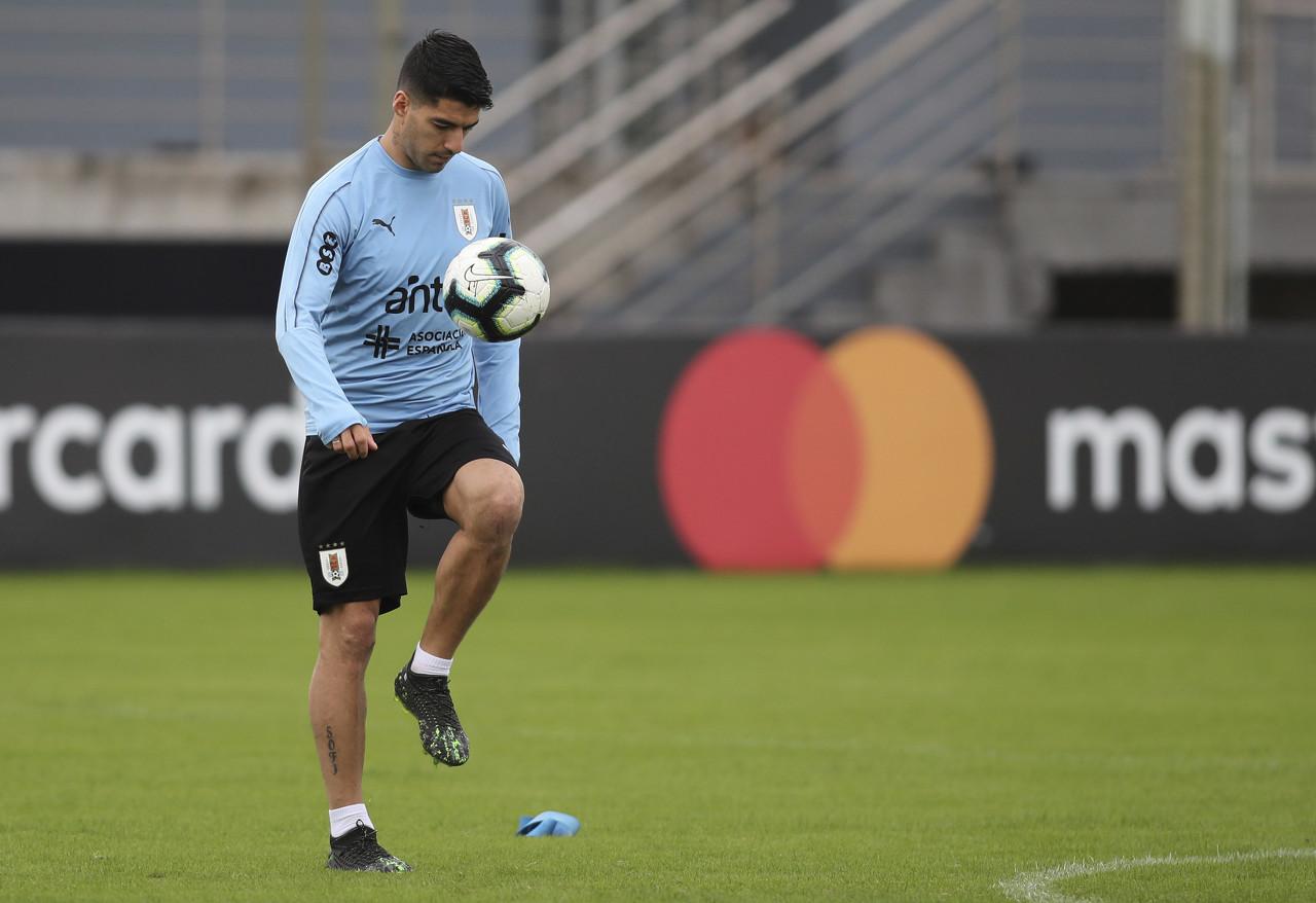 苏牙:卡瓦尼缺席会带来影响,但乌拉圭还有许多优秀球员